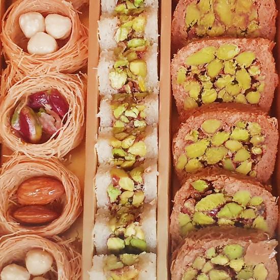 Turkish sweets, Assorted Turkish desserts Super, Walnut, Hazelnut, Cashew, Pistachio delight, 750 gr